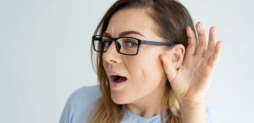 Falar ou dizer, ver ou olhar, ouvir ou escutar?