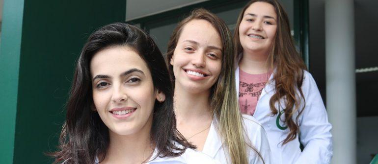 Acadêmicas da Univás participam de publicação da SBA